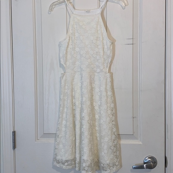 ⭐️ Garage White Flower Lace Dress With Side Slits
